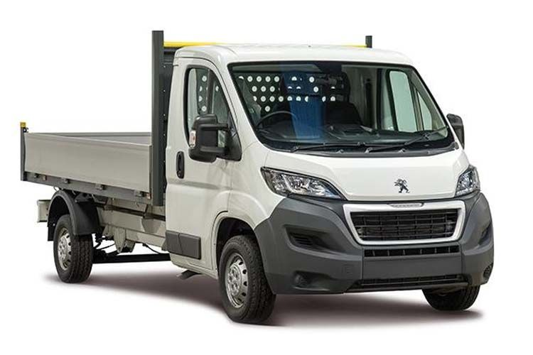 Peugeot Boxer 335 L4 2.2 BlueHDi FWD 165PS Built for Business Plus Dropside Manual [Start Stop] front view